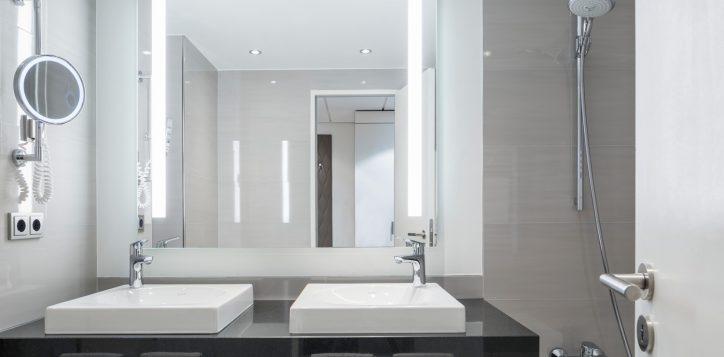 pullman_berlin_schweizerhof_deluxe_suite-2-2
