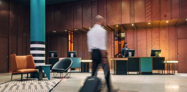 pullman_berlin_schweizerhof_lobby1-2